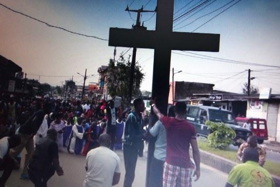 RELIGION : FÊTE DE LA PÂQUE