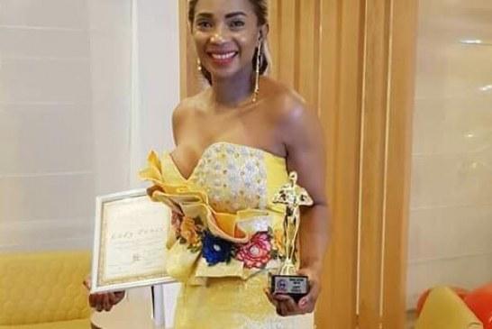 Culture : Lady Ponce tout en or !