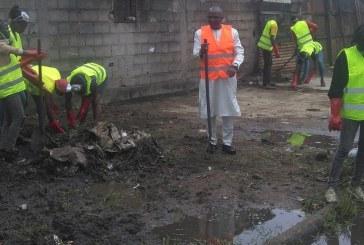 Occupations jeunes: Salomon Njamen  pilote le «New- Bell tour » à Douala 2e.